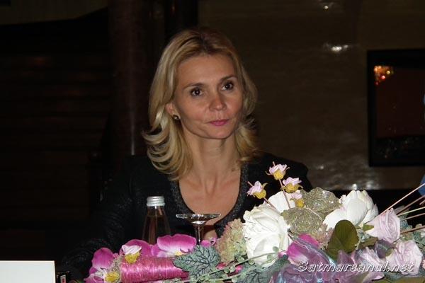 """Ruxandra Dragomir şi-a lansat """"povestea vieţii"""" la Satu Mare"""