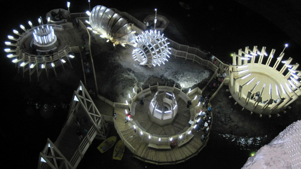 Salina Turda, inclusă într-un top al destinaţiilor turistice incredibile din lume