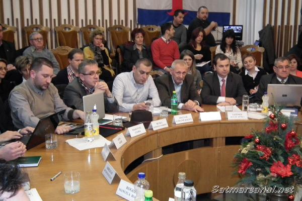Contre în Consiliul local pe tema gratuităților oferite de Transurban unor categori de vârstă