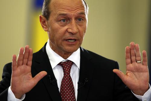 Băsescu: Voi promulga Legea referendumului pe 14 decembrie noaptea