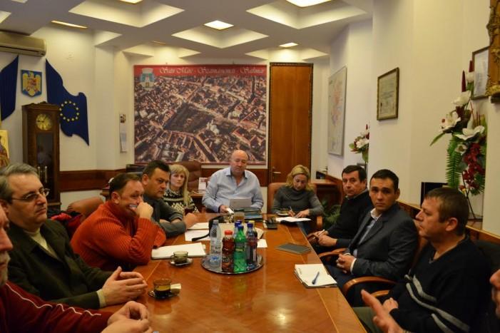 Primarul va fi anunţat cu privire la problemele din trafic și de către taximetrişti