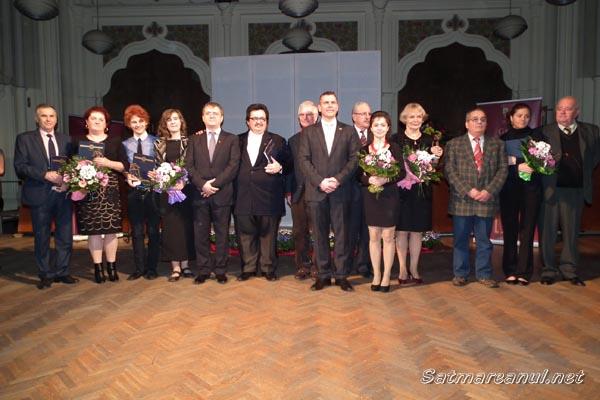 """Orchestra simfonică a Filarmonicii """"Dinu Lipatti"""", premianta anului 2013 la """"Gala Laureaţilor Sătmăreni"""""""