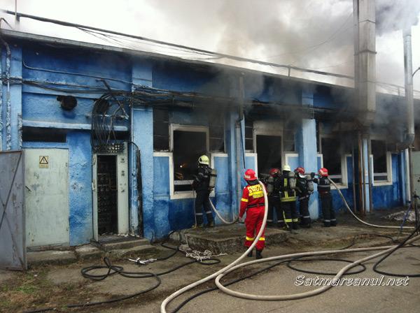 """Incendiu la Fabrica """"Sarmex"""" din Satu Mare (galerie foto)"""