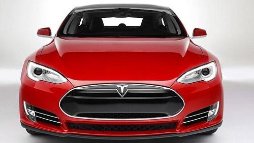 Apple și Tesla pregătesc maşina viitorului