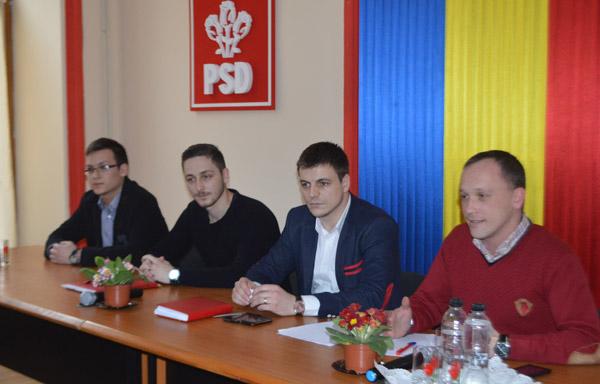 Tudor Teuşan a fost ales preşedintele Ligii Elevilor Social-Democraţi Satu Mare