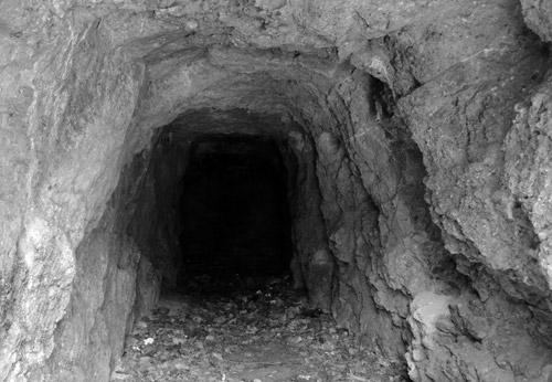 """""""Catacombele lui Pintea Viteazul"""" din judeţul Satu Mare, descrise în """"Secretele României subterane"""""""
