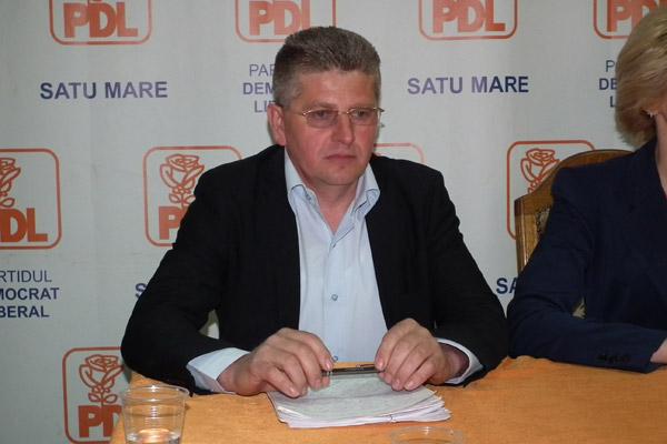 Dinu Birtoc cere demiterea primarului din Călineşti-Oaş, Gheorghe Copil