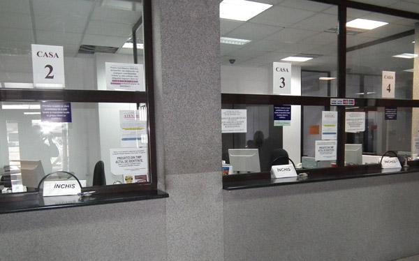 """Ghişeele DITL Satu Mare sunt deschise după cum vor """"muşchii"""" directorului Drimuş"""