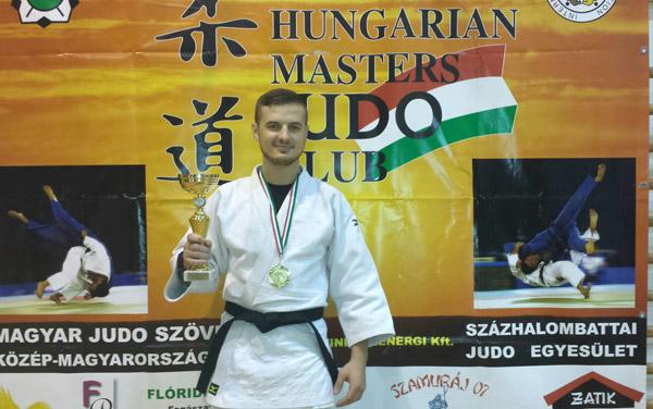 "Medalie de aur pentru Vasile Fuşle jr. la ""Hungarian Open Masters Judo Championships"""