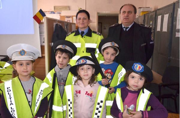 """Poliţia Locală Satu Mare """"invadată"""" de copii"""
