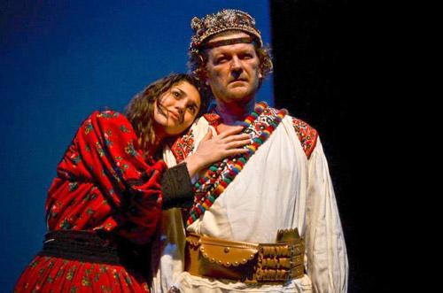"""""""Woyzeck Transylvania"""" şi """"Take, Ianke şi Cadâr"""", pe scena Casei de Cultură a Sindicatelor"""