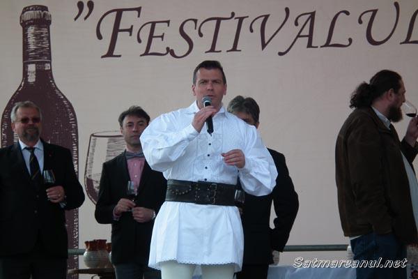 """Süveg Laszló şi Reizer György sunt câştigătorii """"Marelui Aur"""" la Concursul Judeţean de Vinuri Nobile Satu Mare 2014"""