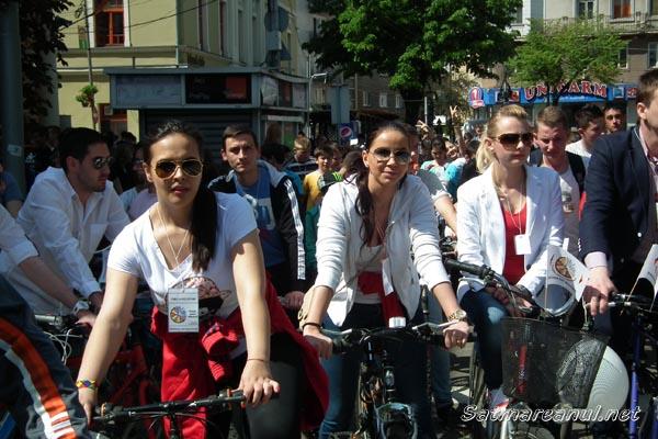 Peste 500 de sătmăreni au pedalat azi pentru Biblioteca Judeţeană Satu Mare (galerie foto)