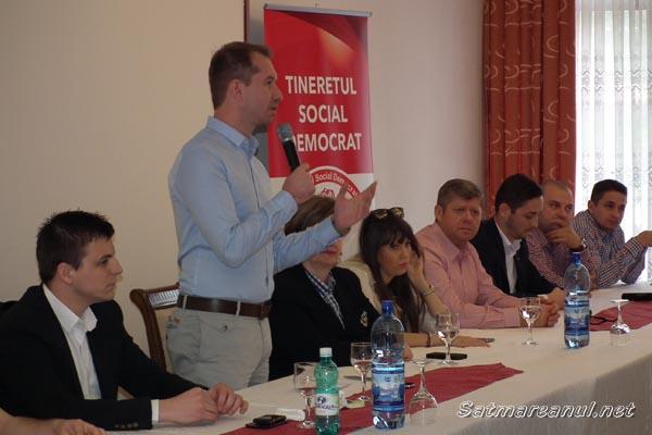 Tinerii social-democraţi din şase judeţe s-au întâlnit la Valea Măriei (galerie foto)