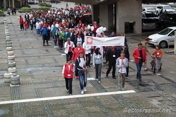 """Sute de sătmăreni au participat azi la maratonul """"Caritas"""""""