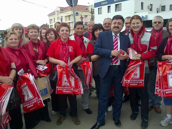 Candidatii Aliantei PSD-UNPR-PC apreciati de catre cetatenii din Piata de Vechituri