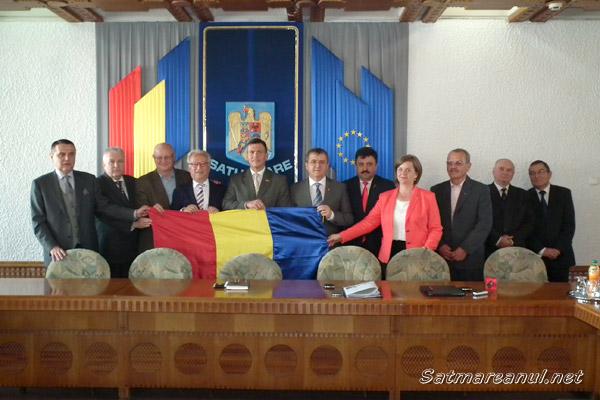"""Hannes Swoboda: """"Eu sunt convins de potenţialul oraşului şi judeţului Satu Mare"""""""
