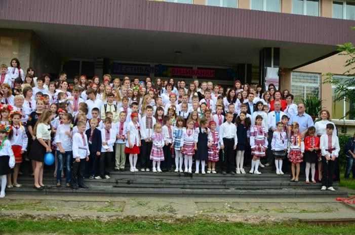 Donație de 1.000 de cărți românești pentru Universitatea din Ujgorod