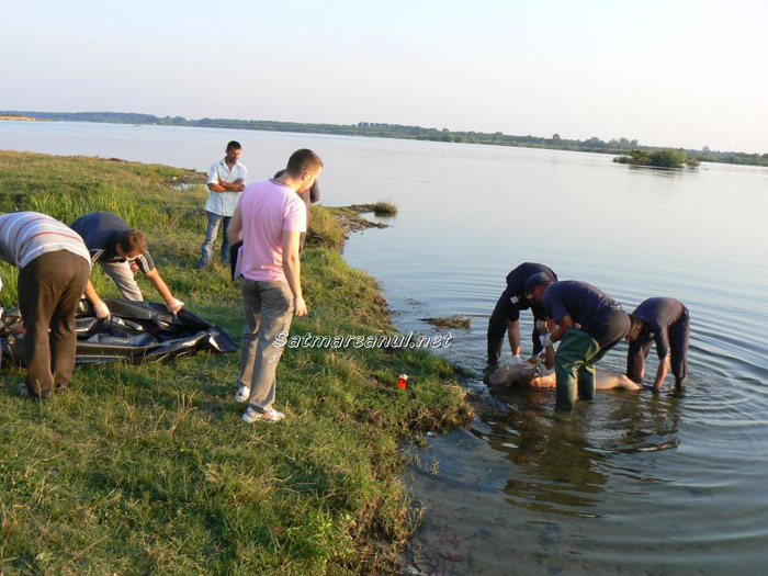 Un adolescent de 15 ani s-a înecat în Someş (foto)