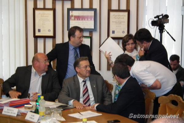 Contre pe modificarea organigramei Primăriei Satu Mare azi în ședința de consiliu
