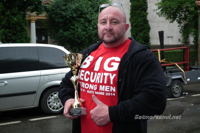 """Endrei Zsolt este câştigătorul competiţiei """"Strong Men"""" Satu Mare 2014 (galerie foto)"""