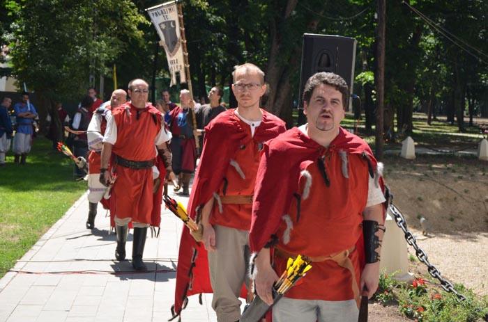 Weekend cu prinţi, prinţese şi cavaleri medievali în centrul Careiului (galerie foto)