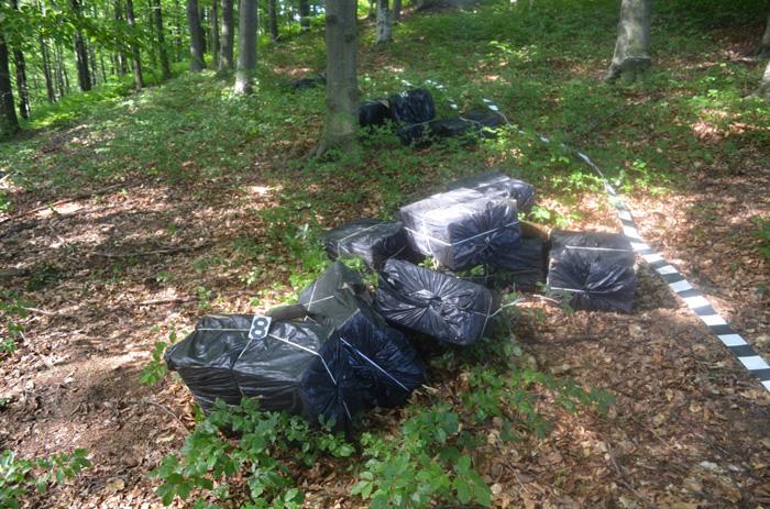 15.000 de pachete cu țigări de contrabandă, depistate la frontiera cu Ucraina