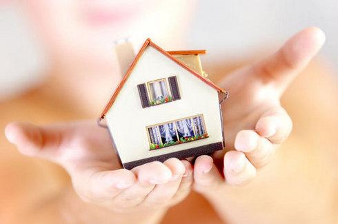 Preţul asigurării obligatorii a locuinţelor s-ar putea dubla
