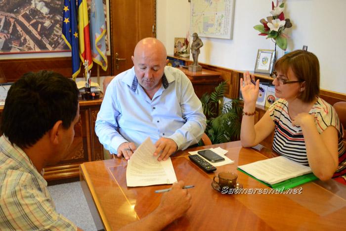 Dorel Coica a semnat contractul de finanţare pentru reabilitarea termică a 124 de apartamente