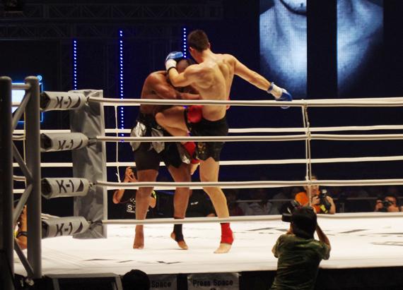 """Gală """"Full Fight K1"""", în Centrul Nou"""