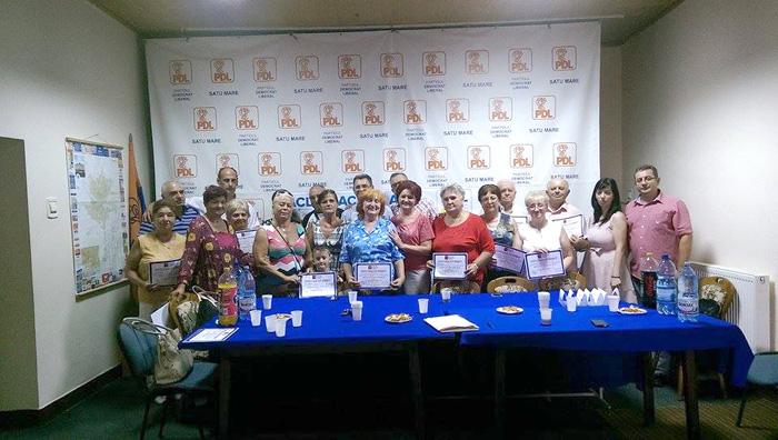 """Prima grupă din cadrul proiectului """"Bunicii navighează"""", a absolvit cu succes cursul"""