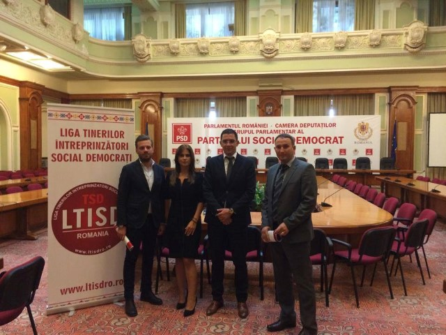 Delegație a tinerilor întreprinzători social-democrați sătmăreni, la Palatul Parlamentului din București