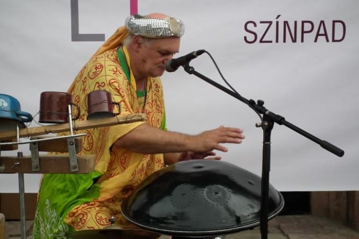 """""""Festivalul Muzicii de Stradă"""" a umplut orașul cu formații și muzicieni (Galerie foto)"""