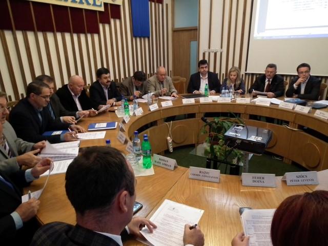 Consilierii locali au votat creșterea numărului de burse pentru elevii din municipiul Satu Mare