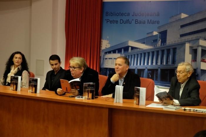 """Felician Pop și-a lansat cartea """"Turn desfrunzit"""" la Baia Mare"""