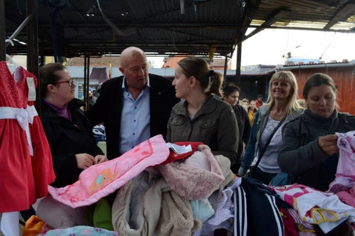 Schimb de haine pentru copii, în fiecare sâmbătă, în Piața de Vechituri din Satu Mare