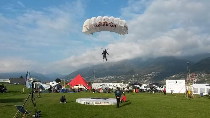 Românul Alexandru Nicolau, vicecampion mondial la parașutism