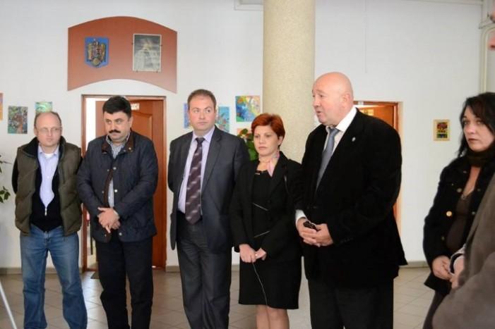 """Recepționarea lucrărilor de investiții la Școala Gimnazială """"Avram Iancu"""" din Satu Mare"""