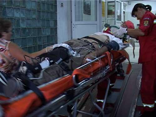 Muncitorul care a căzut de la etaj, transportat la Neurochirurgie