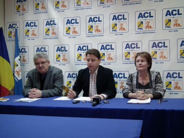 """Profesorii ACL consideră """"cadoul"""" de 700 de lei, ca fiind o """"momeală electorală"""""""