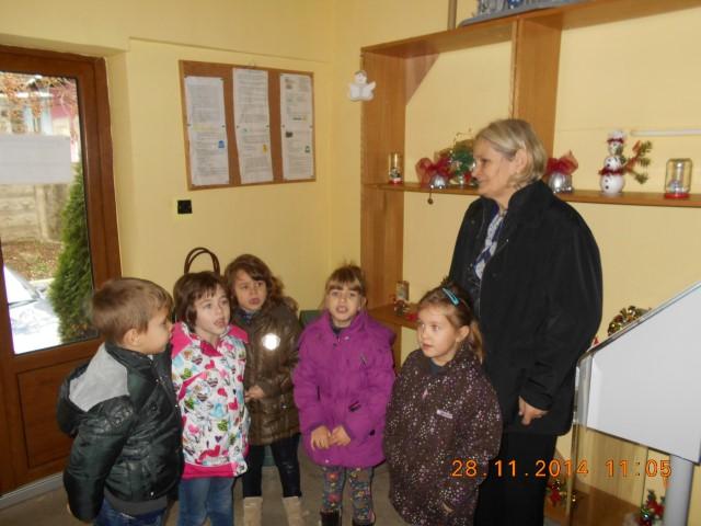 Copiii de la GPP nr. 6 au adus spiritul sărbătorilor de iarnă la AMP Satu Mare