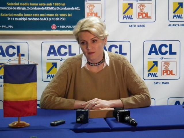 """Andreea Paul: """"Electoratul Monicăi Macovei va vota cu Klaus Iohannis"""""""