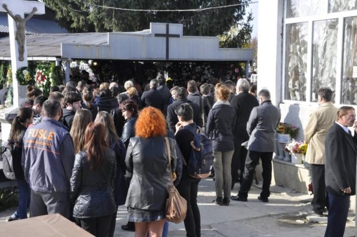 """Vasile Blaga: """"din cimitir o fată dragă suie, îngerilor versuri să le spuie"""""""