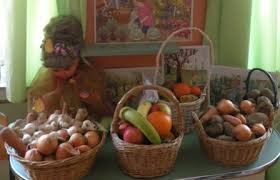 """Beneficiarii Asociației """"Stea"""" au primit zeci de kilograme de fructe și legume"""