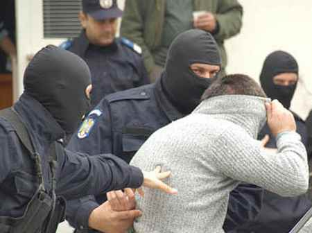 Traficanți de migranți, trimiși în judecată de procurorii Parchetului de pe lângă Tribunalul Satu Mare