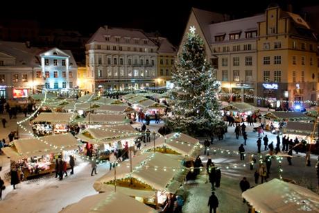 Unde a fost amplasat primul pom de Crăciun din lume ?