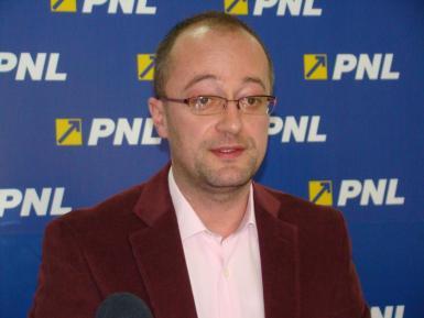 Senatorul de Bistrița, Dorin Dobra, cere suplimentarea indicativelor rutiere România pe ruta Budapesta-Satu Mare