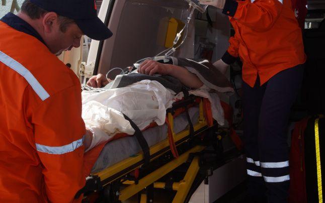Bărbat înjunghiat cu un cuțit de fosta nevastă