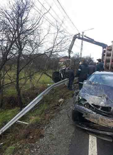 Două mașini s-au ciocnit pe DN 1C Baia Mare-Satu Mare