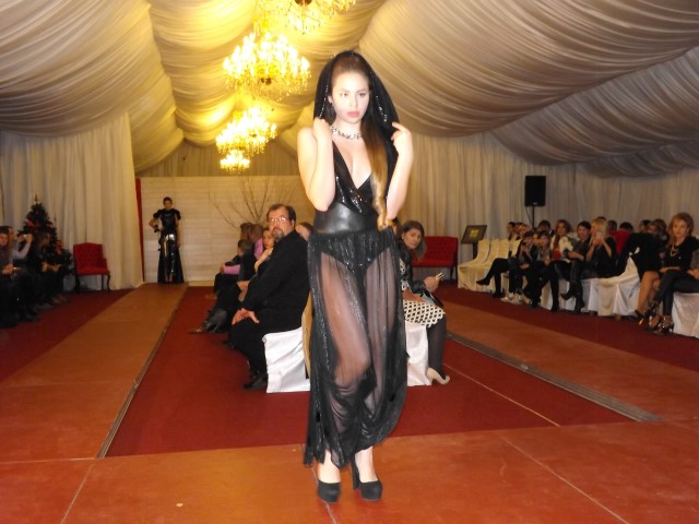 "Fete frumoase și colecții vestimentare unicat la ""Fashion's Night Out"" – winter edition (Galerie foto)"